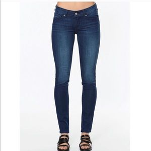 NWT LEVIS 711 THE SKINNY mid rise blue skinny jean